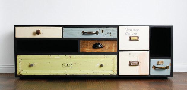1-sieben-verschiedene-schubladen-in-einem-sideboard